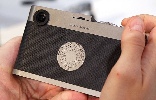 The limited edition Leica M60 was the first Leica M digital rangefinder without a screen and the inspiration for the Leica M-D 262.