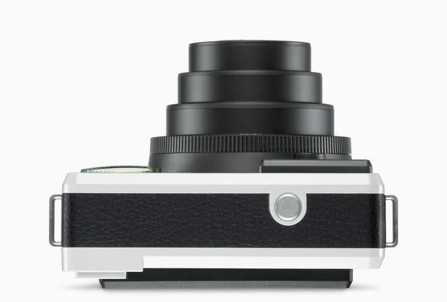 The Leica Sofort seen from above.