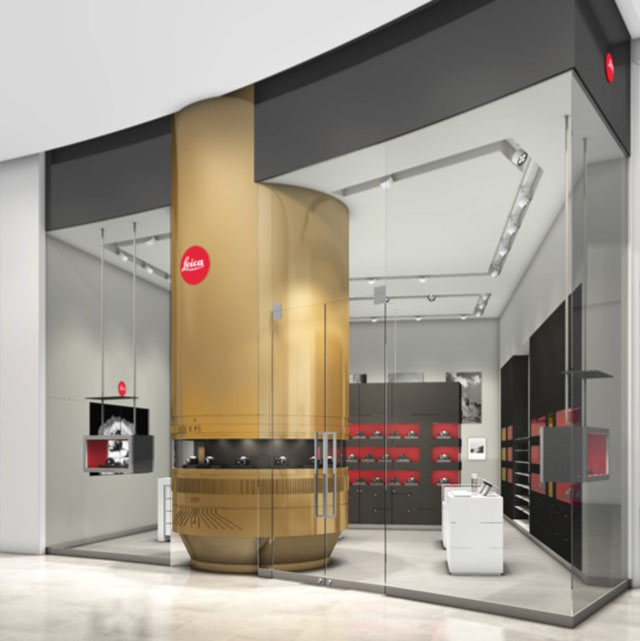 The new Leica Store Dubai is opening in March 2018 and will also be strong represented online. Note the wooden tover in the center of the store, it's a large 0.95 Noctilux.