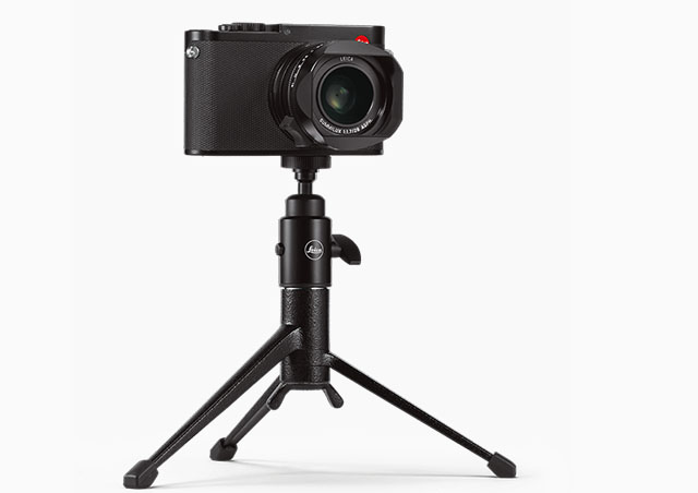 Should you ever need to put the Leica Q2 on a tripod, the Leica table tripod is a good solution for a compact way to stabilize the camera, yet with ball-head so you can fine-tune the position.