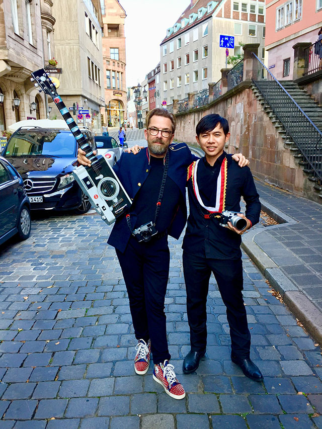 Thorsten Overgaard in Nuremberg with the custom-made one-of-a-kind Leica M10 guitar made for Leica Store Nuremberg. With Claudius Weson from Malaysia who took the 5-day workshop in Nuremberg.